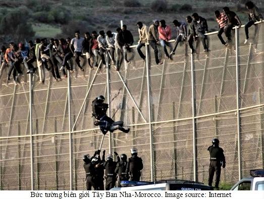 border-walls-3