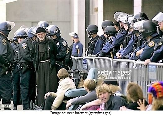 police-cong-an-12